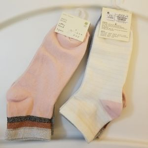 2 packs of Women's Ankle Socks. 6 pair total